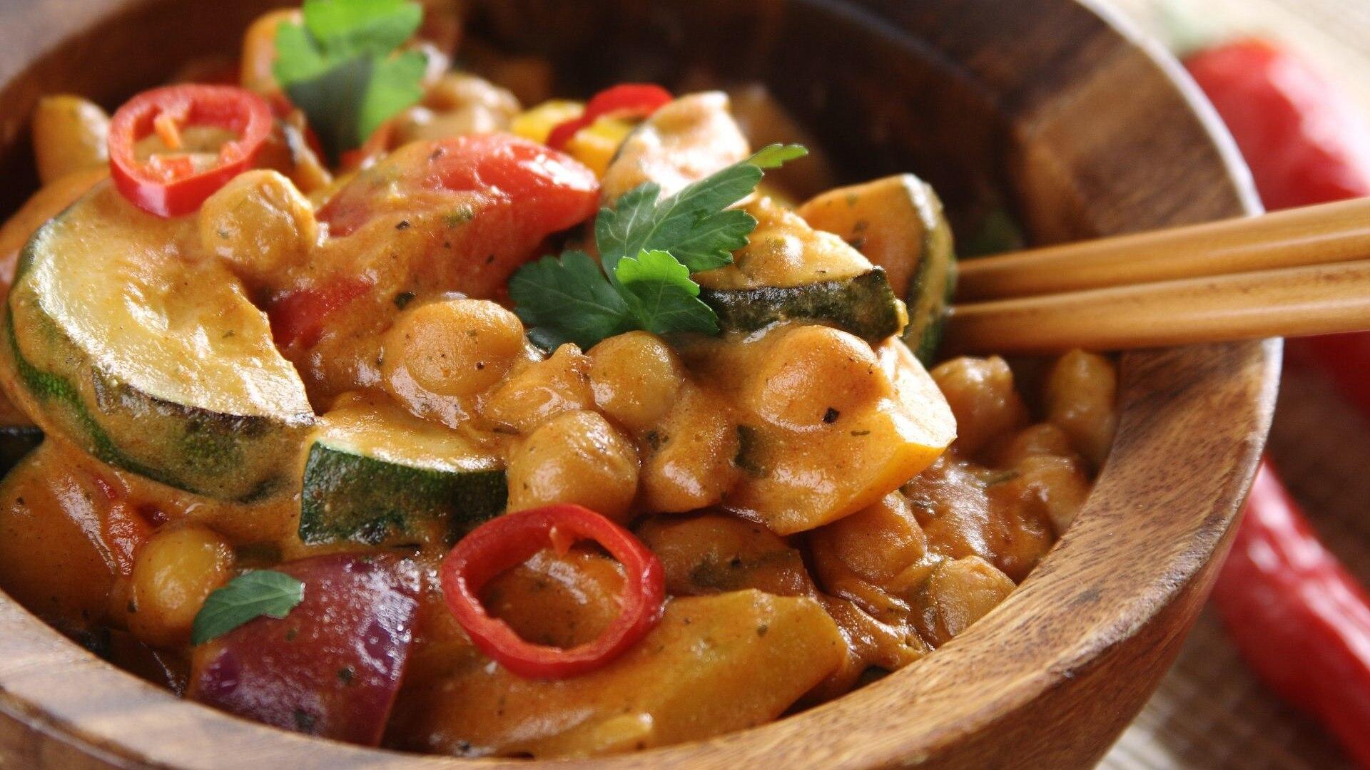 Warzywa W Curry Z Jogurtem Po Indyjsku Przepis Zobacz Na Przepisy Pl
