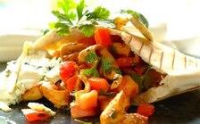Kieszonki pita z kurczakiem i niebieskim serem - VIDEO