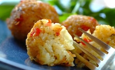 Kulki ryżowe z serem