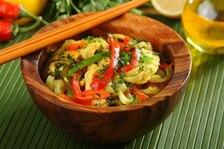 Kurczak w curry z makaronem