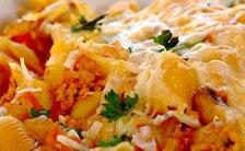 Makaronowa zapiekanka z grzybami i kurczakiem