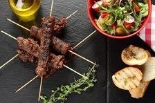 Roladki wołowe z pikantną pastą z oliwek i papryczki chipotle