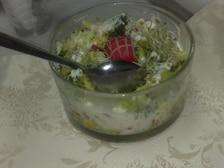 Sałatka brokułowa z kiełkami