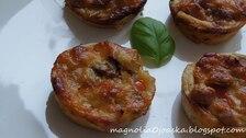 Soczyste francuskie babeczki z mięsno - warzywnym nadzieniem