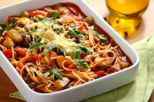 Spaghetti z oliwkowym sosem
