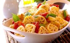 Zapiekany makaron z suszonymi pomidorami