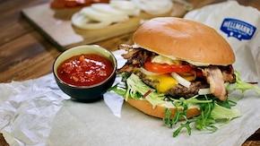 Cheeseburger z bekonem