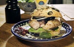Deluxe burger z baraniny
