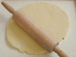 Kruche ciasto z masą orzechową – krok 2