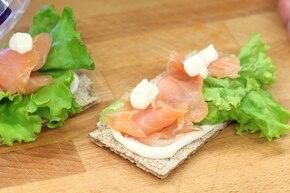 Chrupiące kanapki z łososiem  – krok 3