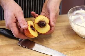 Kanapki z ricottą, brzoskwinią i miodem – krok 3