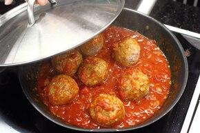 Pulpety z indyka w sosie pomidorowym – krok 5