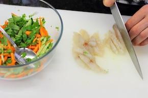 Azjatyckie koperty z warzywami i rybą – krok 1