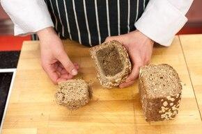 Barszcz biały w chlebie  – krok 3