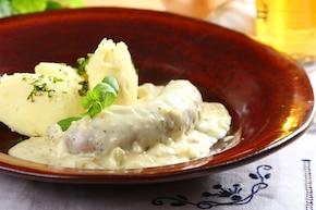 Biała kiełbasa w sosie piwnym