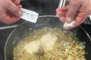 Gołąbki z botwinki – krok 3