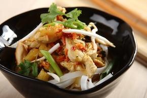 Chiński makaron z kurczakiem