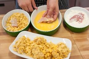 Chrupiące paluszki z indyka z miodowo-musztardowym sosem i grillowaną kukurydzą – krok 2