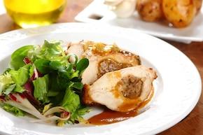 Chrupiący kurczak z selerem i serem pleśniowym
