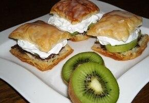 Ciasteczka z bitą śmietaną i kiwi