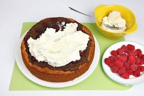 Ciasto makowe z malinami – krok 6