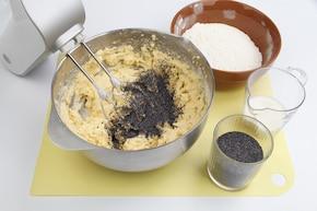 Ciasto makowe z mleczną polewą – krok 2