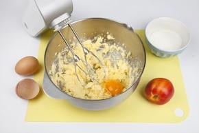 Ciasto nektarynkowo-kokosowe – krok 1