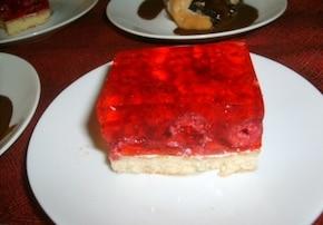 ciasto z malinami i galaretką
