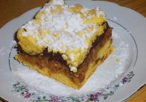 Ciasto z tartymi antonówkami i czekoladą