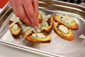 Crostini z serem  – krok 3