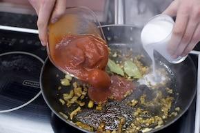 Curry ze słodkich ziemniaków – krok 2