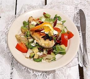 Cytrynowa pierś kurczaka na sałatce