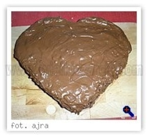 Czekoladowe ciasto walentynkowe