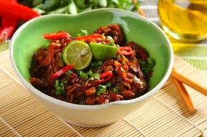 Czerwony ryż z kurczakiem