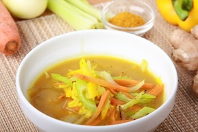 Delikatna i bogata zupa z curry