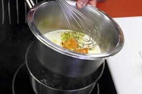 Delikatny sos chrzanowy – krok 3