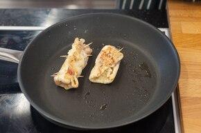 Drobiowe roladki z szynką, ananasem i serem – krok 5