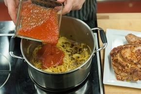 Duszone żeberka z cebulą – krok 3