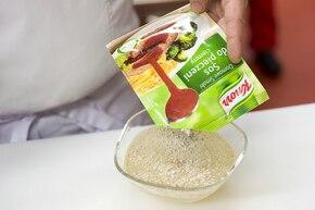 Żeberka duszone z cebulą – krok 3