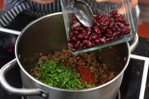 Empanadas z mięsem mielonym, chorizo i fasolą – krok 3
