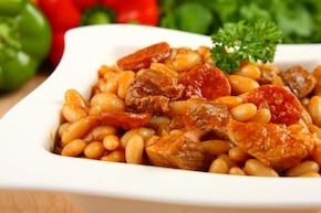 Fasola z wieprzowiną po hiszpańsku