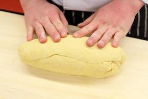 Faworki (chrust) – krok 4
