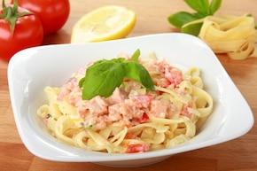 Fettuccine con salmone - Makaron z owocami morza