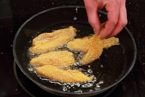 Chrupiący kurczak z tortillą – krok 1