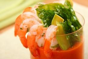 Gazpacho z krewetkami i awokado  – krok 7