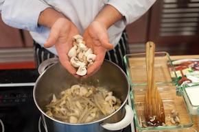 Gnocchi w sosie grzybowym  – krok 2