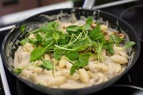 Gnocchi w sosie grzybowym ze szpinakiem – krok 4