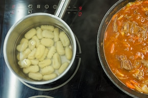 Gnocchi z gulaszem  – krok 3