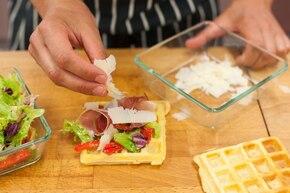 Gofry z szynką i serem – krok 6