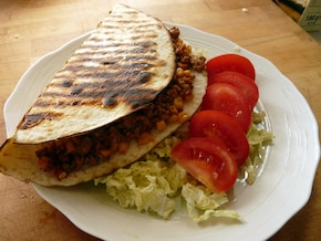 Grillowana tortilla z mięsem